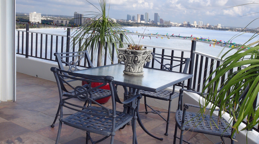 Textured Porcelain Tile for an Exterior Balcony of a High-rise on Bayshore