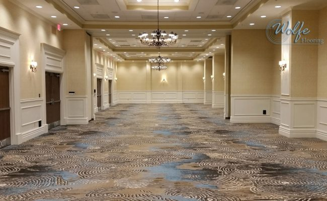 20-Story Open Atrium Hotel (01) – Meeting Room – Durkan Custom Carpet